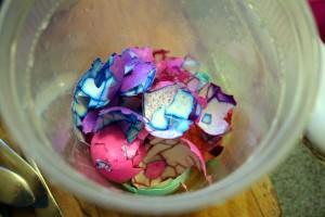 renkli yumurtalar 3 300x200 - Yumurtalar Nas�l Boyan�r?