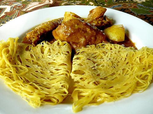 Malezya mutfağının vazgeçilmezi Roti Jala(dantel krep)tarifi