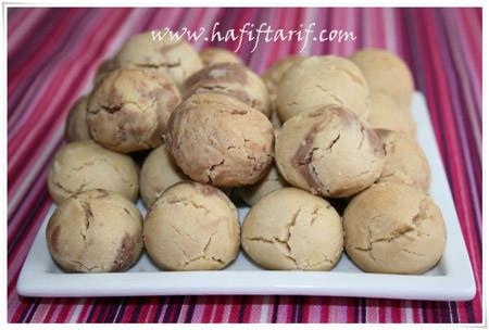 tahinli kurabiye 450x304 - Tahinli Kurabiye