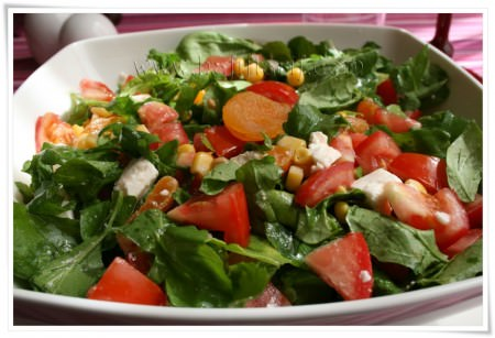 kayısılı roka salatası