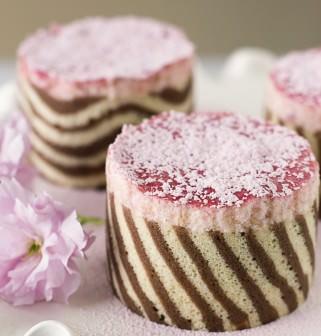 Şeritli kek yapmak