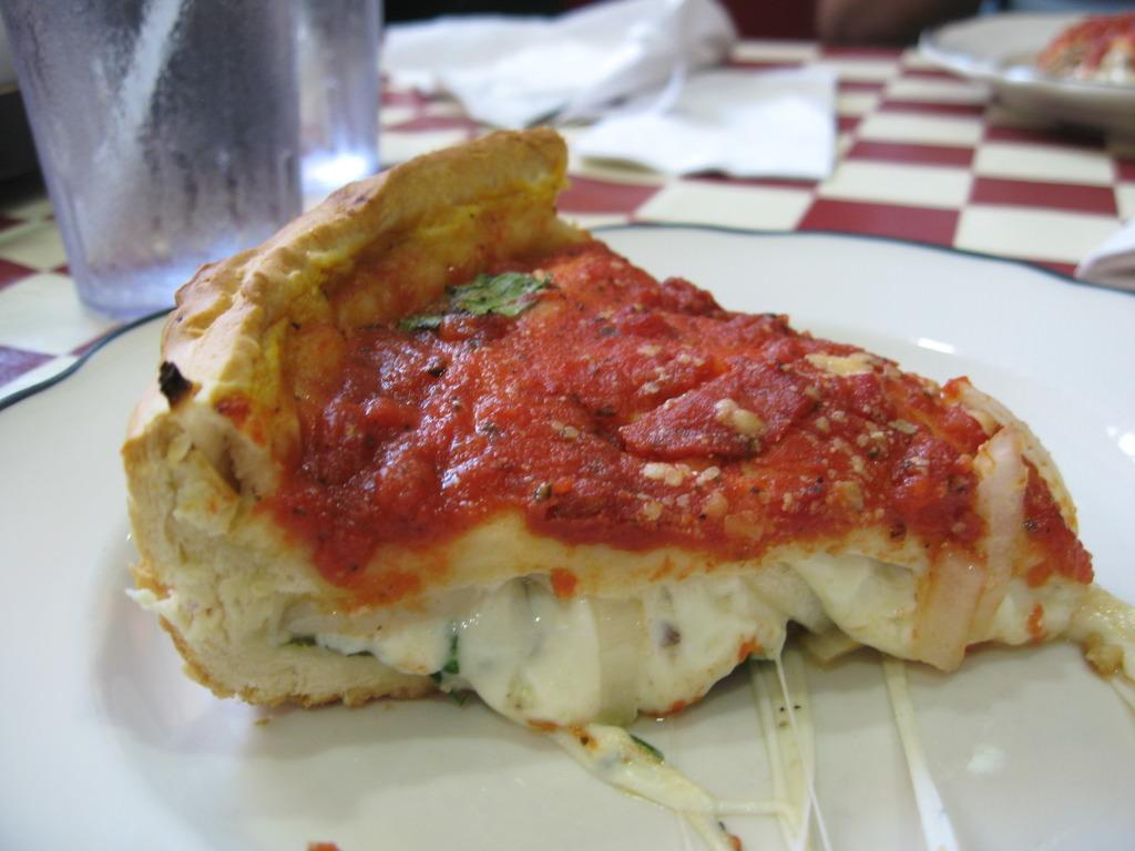 Chicago Usulü Pizza Hafif Tarif