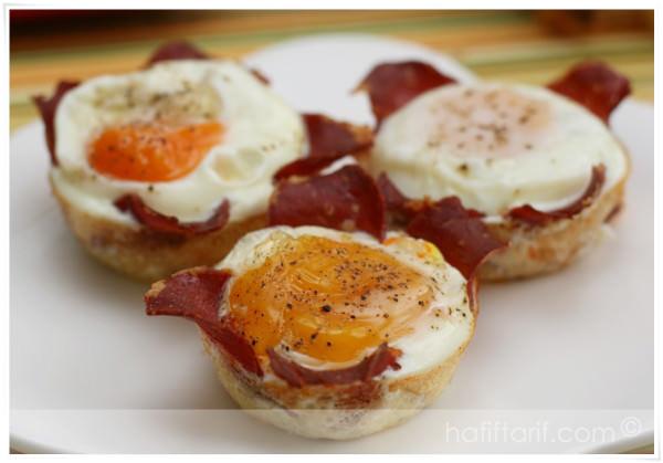 fırında pastırmalı yumurta
