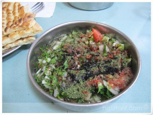 Halil Usta'da salata