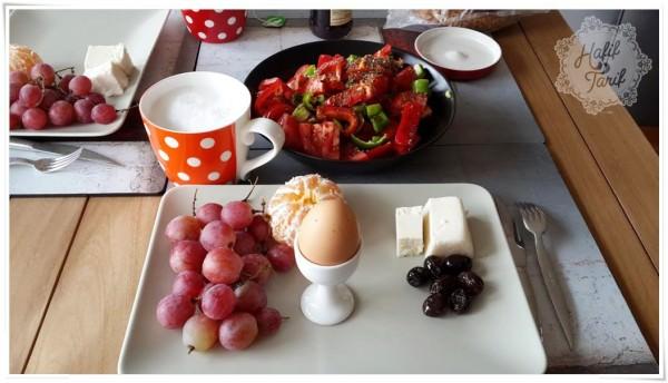 kahvaltılık seçenekler, kahvaltı masası, kahvaltı sofrası